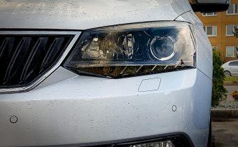 Ostrekovače svetiel + ASR/ESC sport tlačidlo + parkovacie senzory